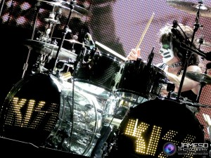 Eric Singer hits those drums so hard!